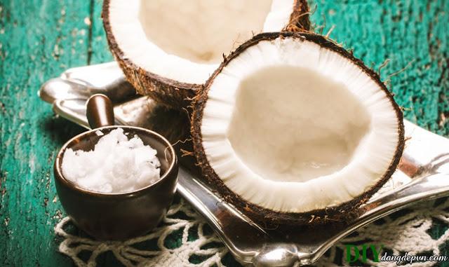"""10 lợi ích làm đẹp của dầu dừa giúp bạn tiết kiệm tiền mỹ phẩm """"khủng"""""""