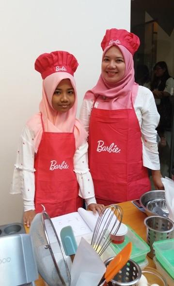 rafa dan mama nurul sufitri blogger siap masak bersama barbie resep es teler cupcakes chef stella lowis almond zucchini cooking studio