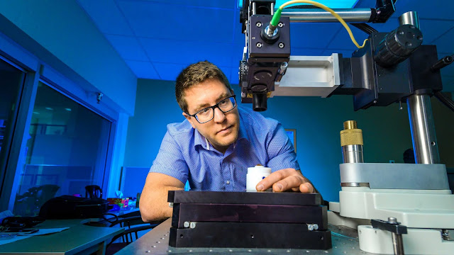 PulseMedica founder Nir Katchinskiy began exploring the potential of ultra-fast, ultra-precise lasers to advance treatment of eye diseases while completing his PhD in electrical biomedical engineering at the U of A. (Photo: Richard Siemens; taken pre-COVID-19)