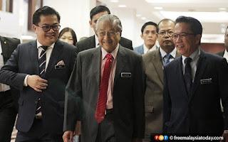 Putrajaya kaji kembalikan PPSMI, kata Dr M