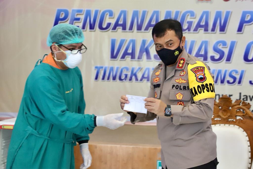 Kapolda Jateng dan Forkopimda Jateng Terima Vaksinasi Corona di RSUD Tugurejo Semarang
