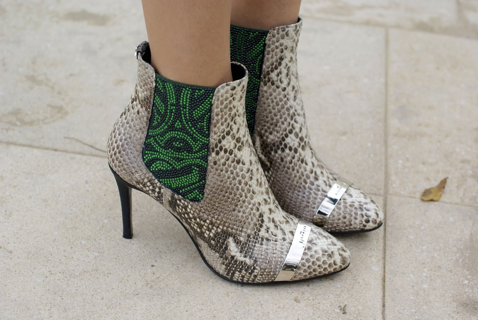 Snakeskin python ankle boots, John Richmond shoes on Fashion and Cookies fashion blog
