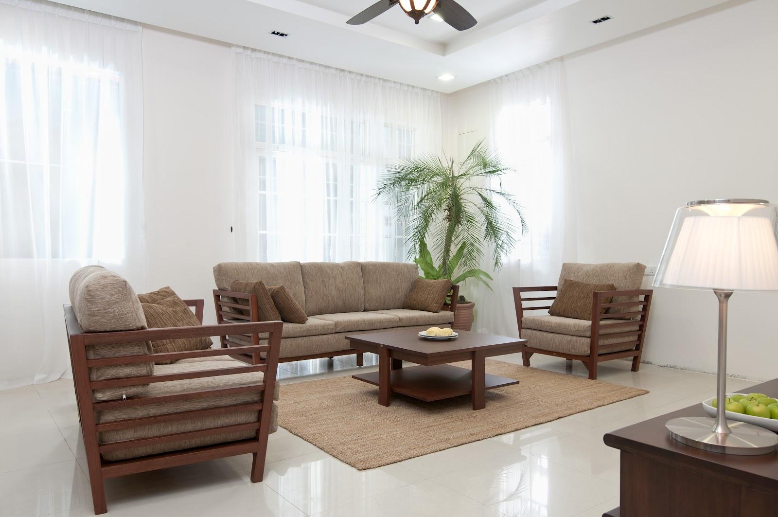 United Woodwork: Wooden Sofa Sets