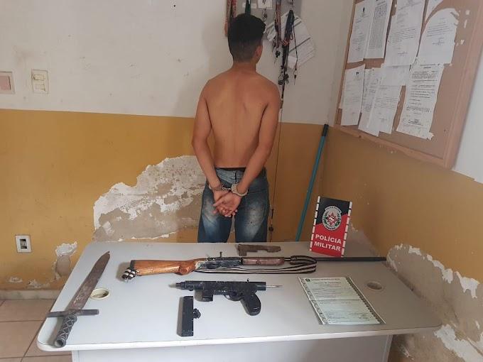 Polícia detém elemento por porte e posse ilegal de arma de fogo, na cidade de Sapé/PB.