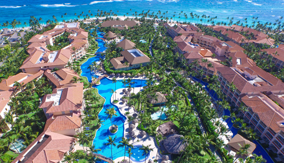 Majestic Colonial Punta Cana is a spectacular 5-star all-inclusive resort designed to blend in with the exuberant flora and wildlife of the Dominican Republic.