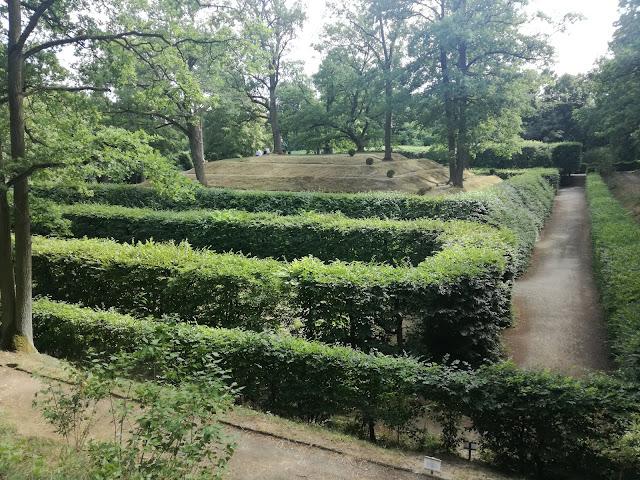 Ogród w Rogalinie