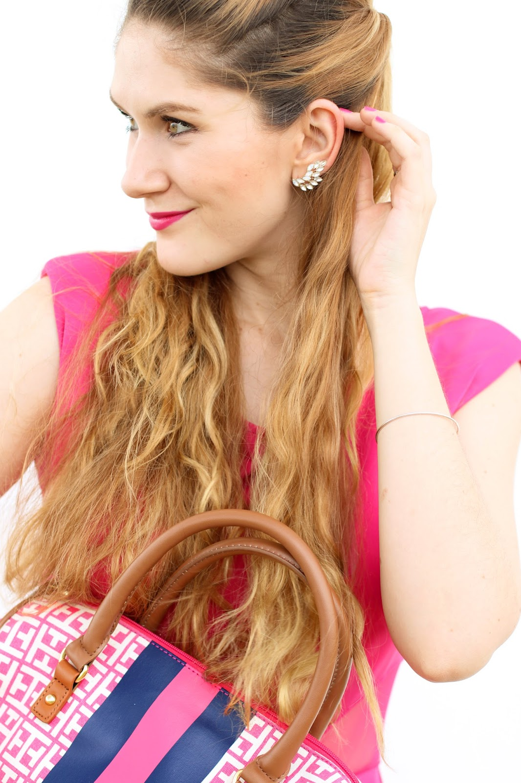 Dainty earcuff give outfits the perfect touch of sparkle