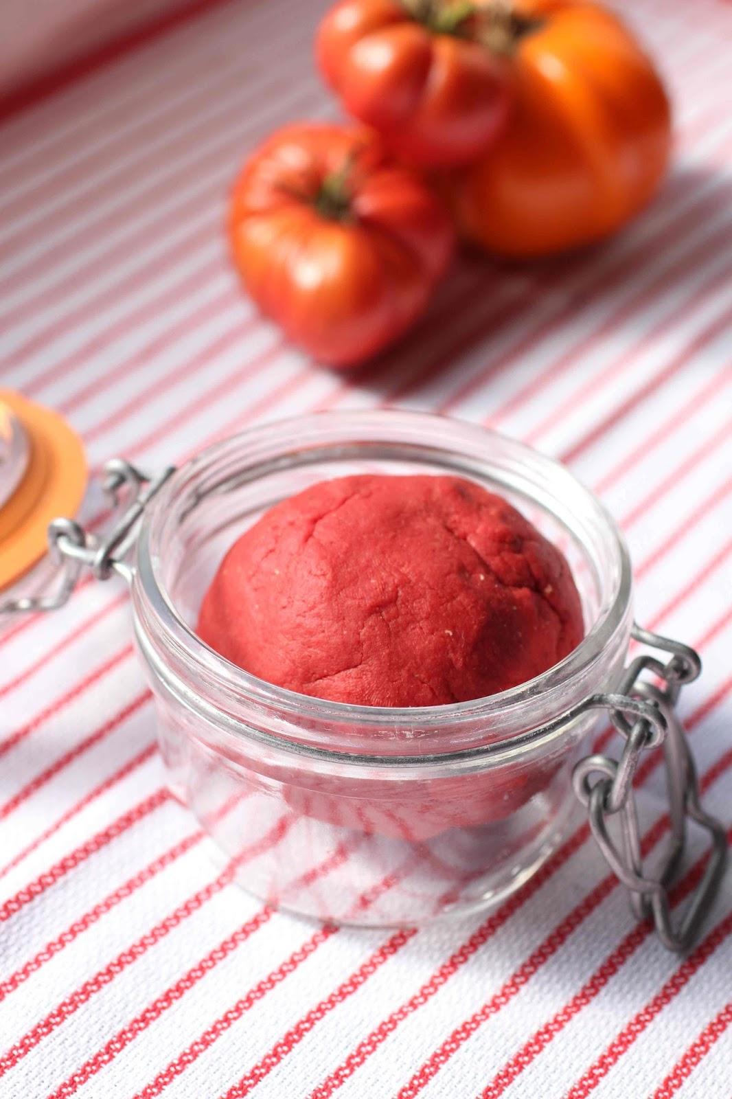Un peu gay dans les coings concentr de tomate for Vers dans les tomates