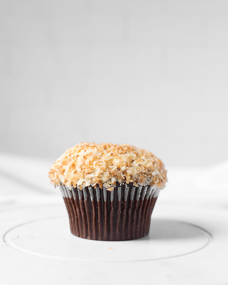 coconut flakes cupcake