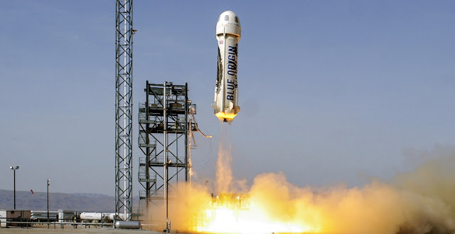 The fourth launch of the same New Shepard vehicle begins with an ascent to an apogee of 331,504 feet (101.0 km) before a successful descent and landing on June 19, 2016. Credit: Blue Origin