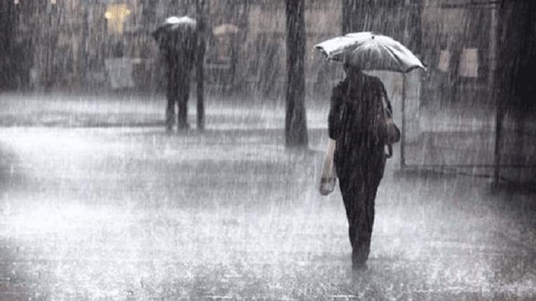 Puisi Bayangan Hilang Dalam Derasnya Hujan