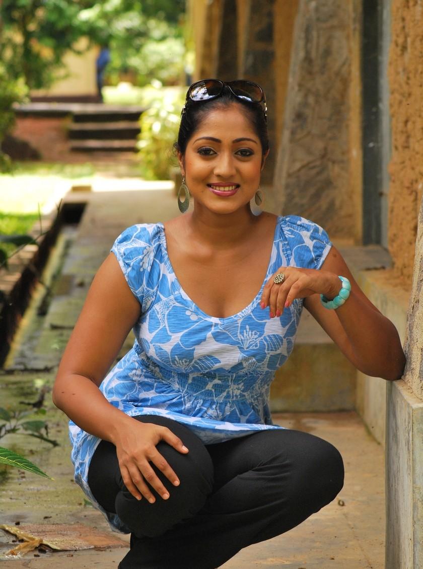 Sri Lankan Girlsceylon Hot Ladieslanka Sexy Girl Dilini -8817