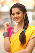 Mehreen Kaur glamorous photos gallery-thumbnail-16