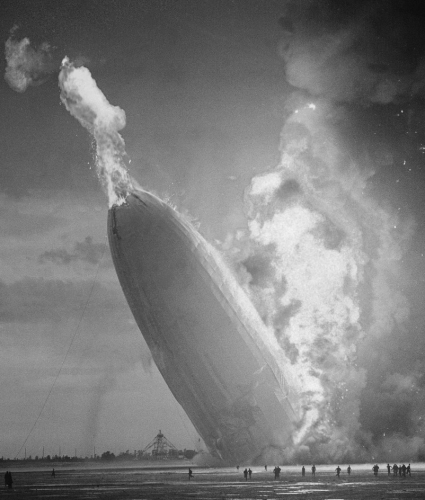 On May 3 1937 The Hindenburg Left Frankfurt Germany On May 6 After An Uneventful Journey Across The Atlantic The Zeppelin Burst Into Flames While
