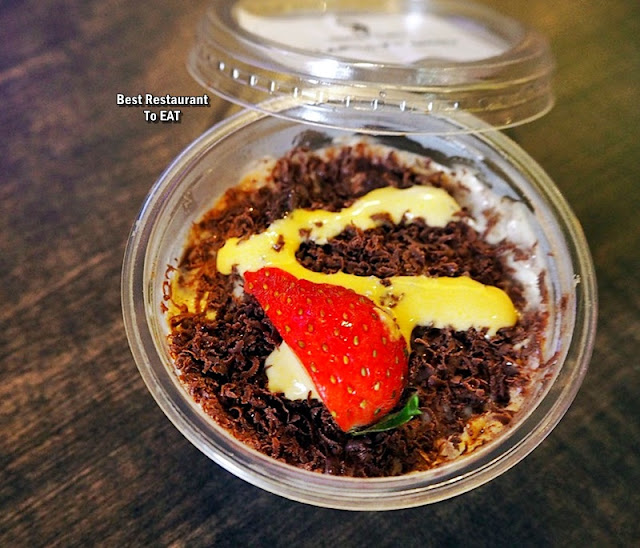 Werner's Deli Menu - Dessert - Classic Tiramisu