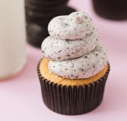 COOKIES AND CREAM CUPCAKES #desserts #cakes #healthyrecipes #cookies #party