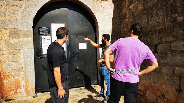 Τουρίστες ήρθαν από την Αθήνα να δουν το Παλαμήδι και δεν γνώριζαν για το lockdown (βίντεο)