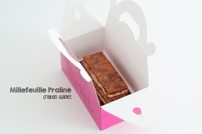 Millefeuille au praliné du pâtissier Alban Guilmet dans sa boîte rose