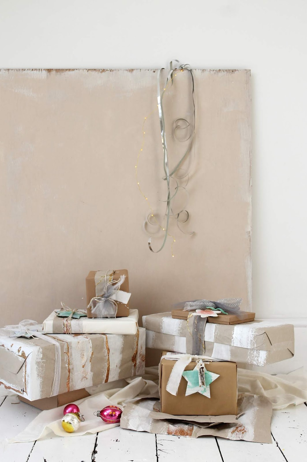 DIY – Upcycled packaging gift wrap