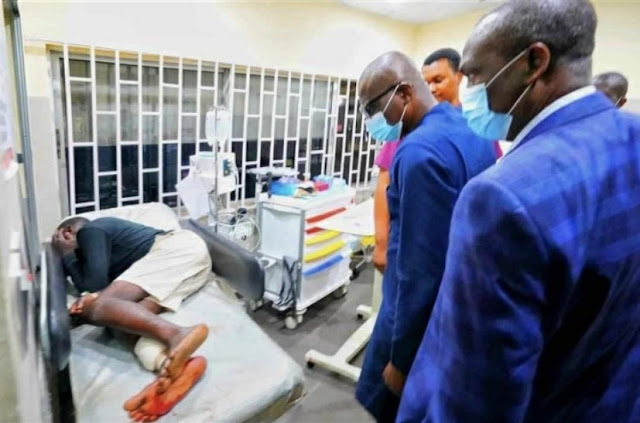 Lekki Massacre! Watch Sad Moment When A Patient Refused To Look At Gov. Sanwo Olu's Face