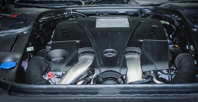 Động cơ Mercedes Maybach S500 2017 vận hành mạnh mẽ và vượt trội