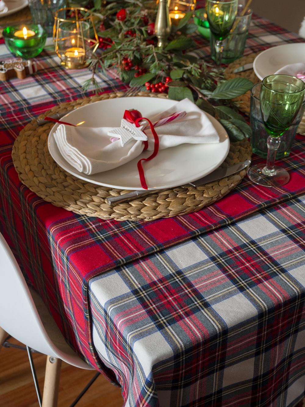 Nuestra mesa navideña en cuadros escoceses23