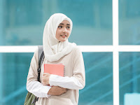 Yuk Simak 4 Jenis Jilbab Pashmina yang Cocok untuk Kuliah