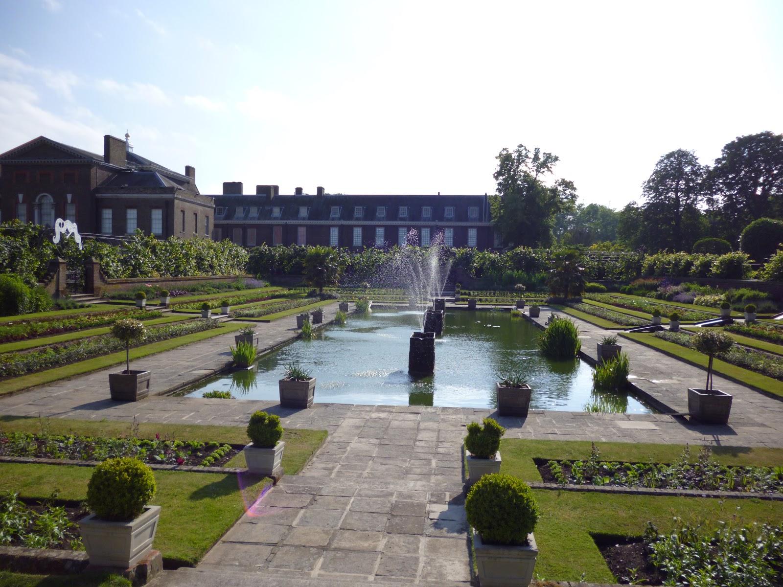 London Internship/Study Abroad: Buckingham Palace ...