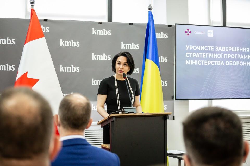 заступник декана Києво-Могилянської бізнес-школи Гелена Саврук
