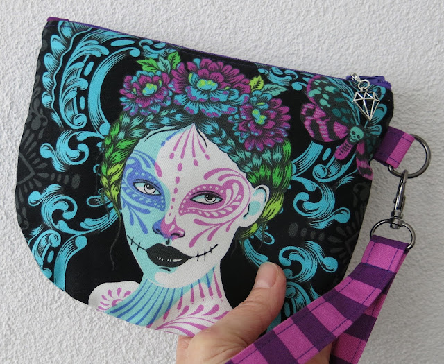 Luna Lovequilts - Pouch in De La Luna collection by Tula Pink - Back side