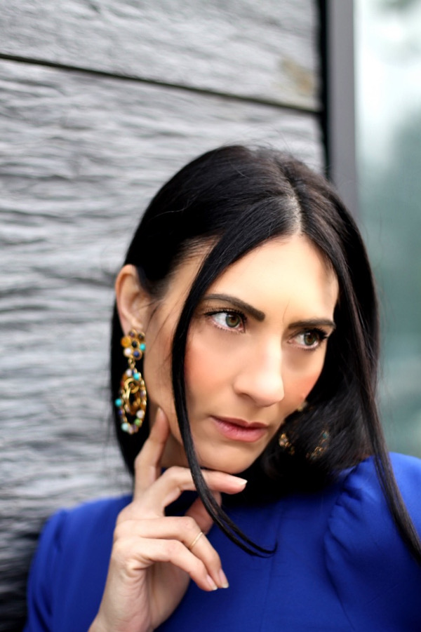 sylvia toledano, earrings, orecchini multicolor, orecchini vistosi, paola buonacara, fashion, fashionblogger, italian fashion blogger, abito blu elettrico, pfw, parisfashionweek, streetstyle, defileaparis, loisminimal, fashionbloggeritaliana, come abbinare abito blu, outfit autunno, abito da occasioni, saddle bag dior, bag dior, bag dior
