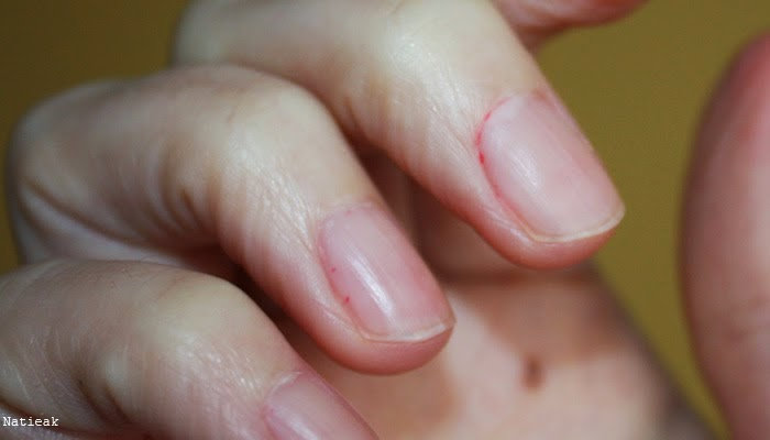 vernis  à ongles rouge corail de chez LOL (Bys maquillage)