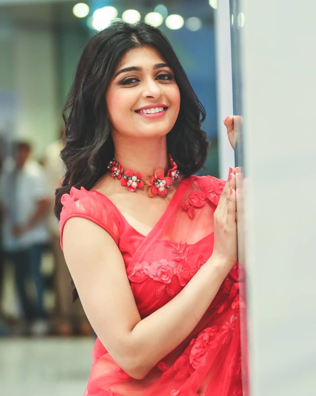 Sandalwood beauty Aditi Prabhudeva' stunning Photo Gallery! 9