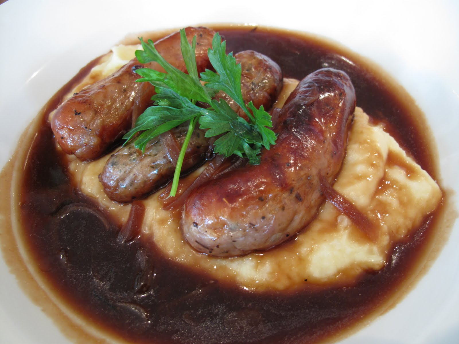 Hungry Jenny: Friday Pie Day: Bangers and Mash Pie