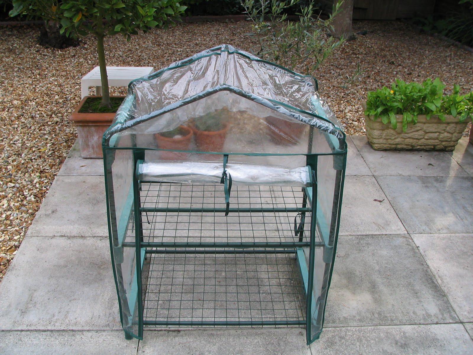 mark 39 s veg plot re vamping the mini greenhouses. Black Bedroom Furniture Sets. Home Design Ideas