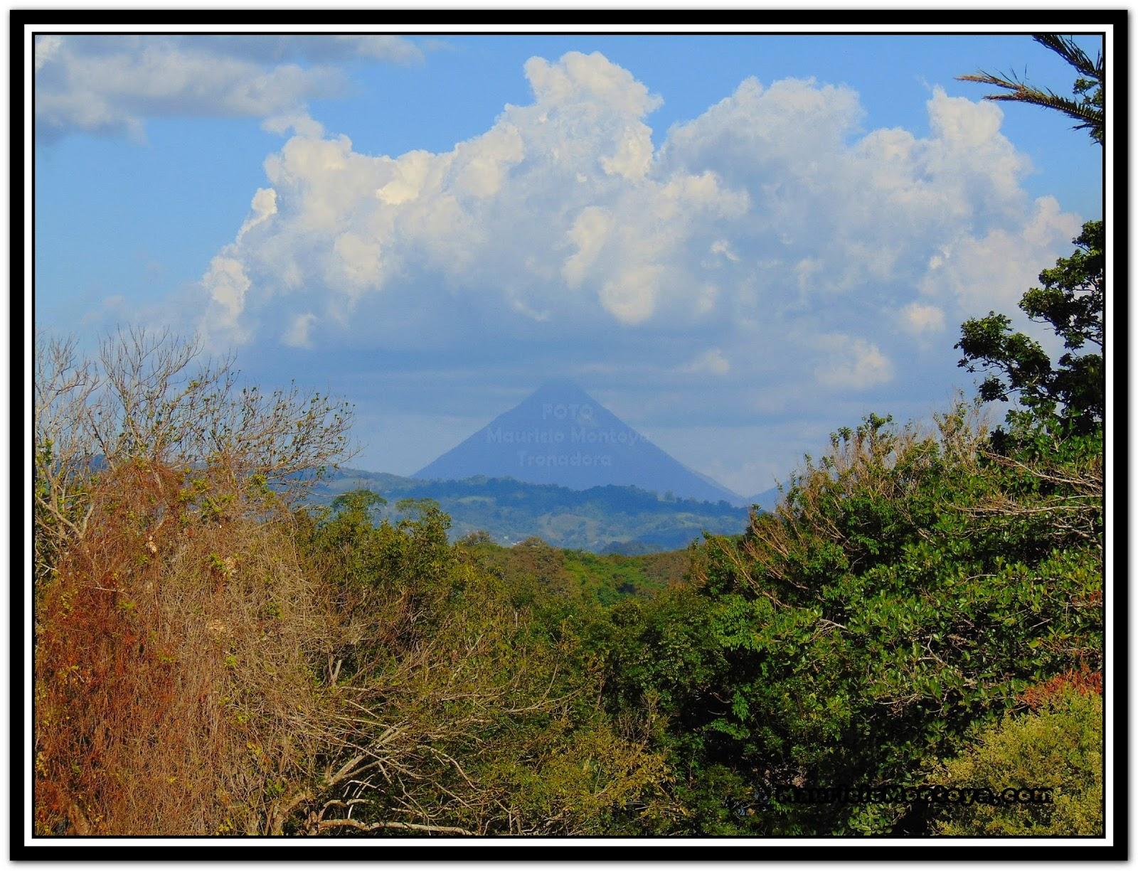 Panorámica Del Volcan Arenal