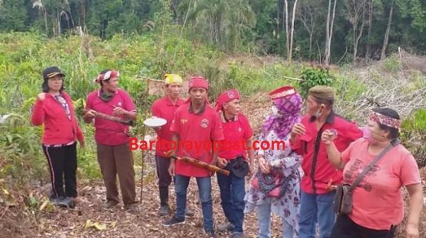 Budaya Tetap Lestari, Gerdayak Barut Dampingi Petani Membakar Lahan Dengan Prosedur yang Berlaku