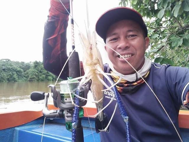 Udang Galah Salah satu Tangkapan Sungai Tayan