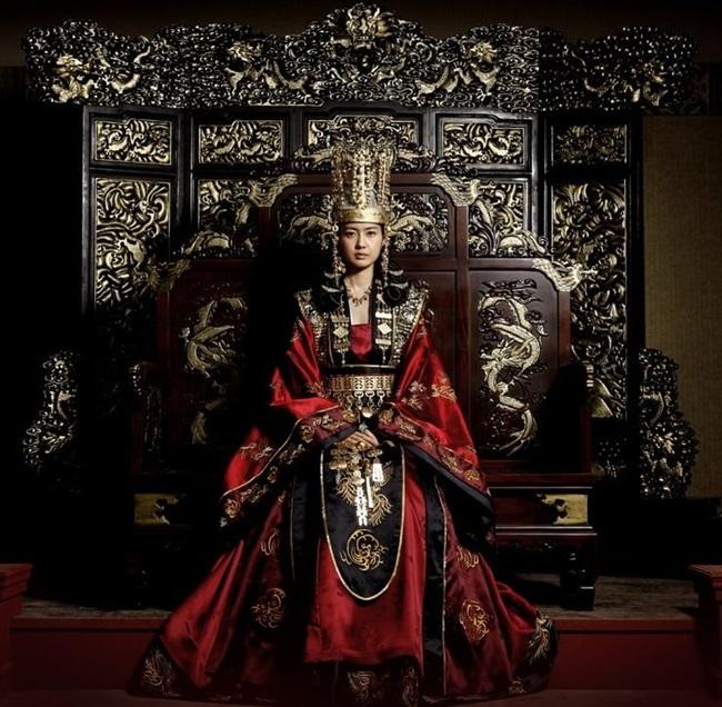 พระนางช็อนด็อกแห่งชิลลา (Queen Seondeok of Silla: 선덕여왕 善德女王)