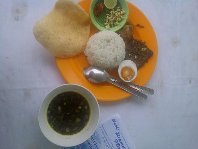 Makan Siang , Rawon Miring