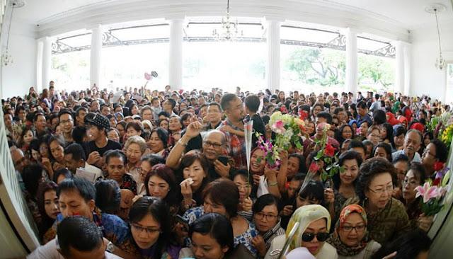Pesan Mengharukan Djarot Pada Pendukung yang Luar Biasa Berikan Suport untuk AHOK Memenuhi Pendopo Balaikota