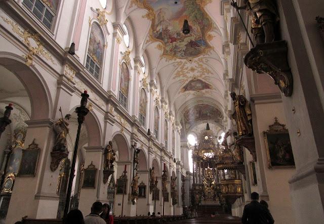 Peterskirche O que ver em Munique Alemanha