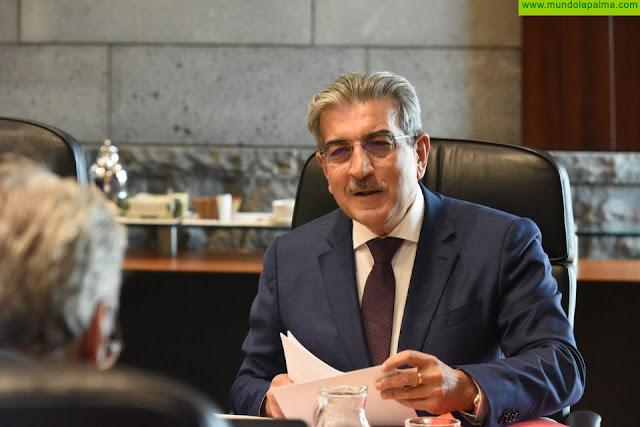 El Parlamento convalida el apoyo financiero del Gobierno a los ayuntamientos y el tipo 0 para el IGIC sanitario