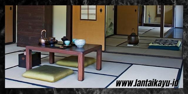 Cara Menata Dekorasi Interior Rumah Bergaya Jepang - gunakan meja pendek