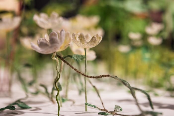 Rosa Sigrun Jonsdottir Virkattu kukkaniitty niitty kukka flower embroidery crochet