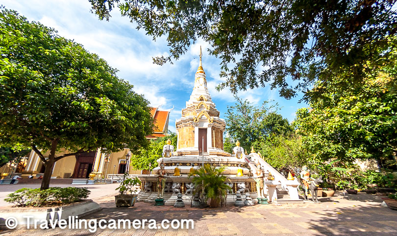 I stayed in the city for 3 nights and we always preferred to stay close to Independence monument & the Mekong river. This place is very interesting and there are various places approachable by walk.
