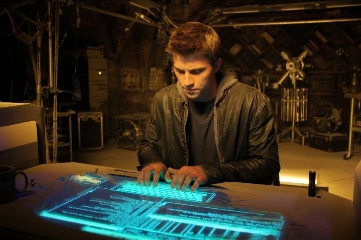 'TRON: LEGACY' (2010). Re-boot of the 80s version of the TRON story. All review text is © Rissi JC / RissiWrites.com
