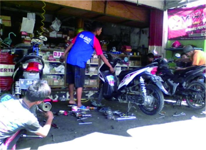 Baliho Bengkel Motor - desain banner kekinian