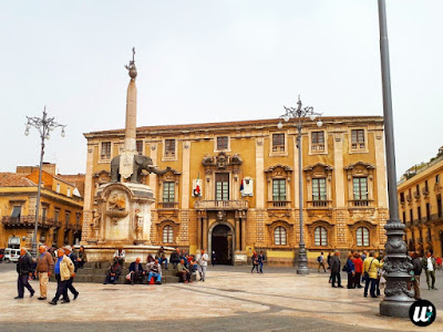 Fontana dell'Elefante on Piazza del Duomo, Catania | Sicily, Italy | wayamaya