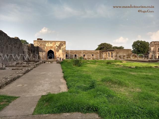 Information about Nahar Jharokha Mandu